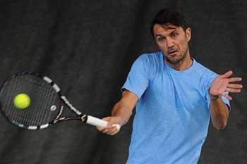 Paolo Maldini, agora jogador de tênis