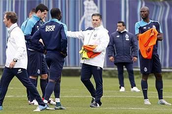 FC Porto visita o Estoril com olho no segundo lugar