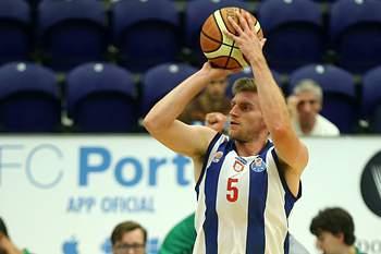 Brad Tinsley, jogador de basquetebol do FC Porto