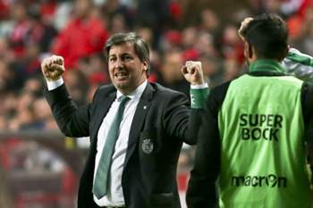 Sporting Lisbon president Bruno de Carvalho reacts during their Portuguese First League soccer match against Benfica held at Luz Stadium, in Lisbon, Portugal, 25 October 2015. TIAGO PETINGA/LUSA