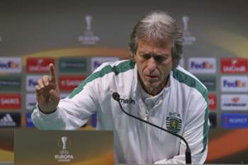 The head coach of Sporting CP Jorge Jesus arrives to a press conference on the eve of their UEFA Europa League group H match against Besiktas JK, at Alvalade Stadium in Lisbon, Portugal, 09 December 2015. JOSE SENA GOULAO/LUSA