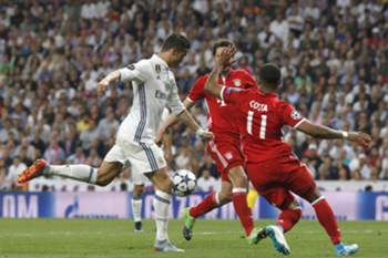 Real Madrid - Bayern Munique: Ronaldo faz golo