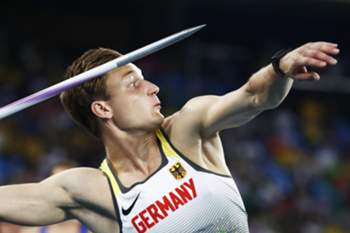 epaselect epa05504091 Thomas Rohler of Germany competes in the men's Javelin Throw final of the Rio 2016 Olympic Games Athletics, Track and Field events at the Olympic Stadium in Rio de Janeiro, Brazil, 20 August 2016. EPA/DIEGO AZUBEL