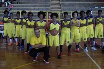 Equipa feminina do Bairro sagra-se bicampeã de Santiago Sul em sub-16