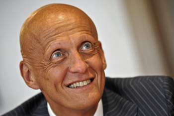 epa02235138 Former Italian soccer referee Pierluigi Collina pictured during his press conference at the AIA (Associazione Italiana Arbitri / Italian Refereers Association) in Rome, Italy on 03 July 2010. Collina will be the Chief refereeing officer of Uefa. EPA/GUIDO MONTANI