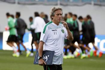 epa04897820 Head coach Jorge Jesus of Sporting walks during his team training session in Arena Khimki in Khimki outside Moscow, Russia 25 August 2015. Sporting will face CSKA Moscow at the UEFA Champions League on August 16. EPA/YURI KOCHETKOV