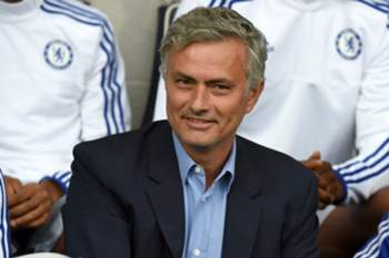 epa04894489 Chelsea's manager Jose Mourinho before the English Premier League soccer match between West Bromwich Albion and Chelsea at The Hawthorns Stadium in West Bromwich, Britain, 23 August 2015. EPA/WILL OLIVER EDITORIAL USE ONLY. No use with unauthorized audio, video, data, fixture lists, club/league logos or 'live' services. Online in-match use limited to 75 images, no video emulation. No use in betting, games or single club/league/player publications.