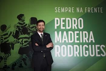 O candidato à presidência do Sporting, Pedro Madeira Rodrigues, durante uma entrevista à Lusa na sede de candidatura, em Lisboa, 10 de fevereiro de 2017. (ACOMPANHA TEXTO DO DIA 15 DE FEVEREIRO DE 2017) MÁRIO CRUZ/LUSA