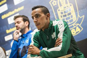 epa05508972 Joze Carlos 'Zeca' Goncalves of Panathinaikos speaks during a press conference in Brondby, Denmark, 24 August 2016. Panathinaikos will face Brondby on 25 August 2016 in a UEFA Europa League Qualification play-off round second leg match at Brondby Stadium. EPA/ANDERS KJAERBY DENMARK OUT