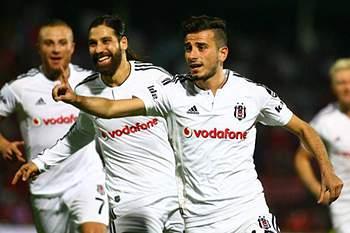 Besiktas goleia em Gaziantep com quatro golos no último quarto de hora