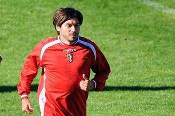 O antigo jogador do Braga é agora técnico do Vianense