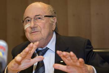 epaselect epa05077842 Joseph 'Sepp' Blatter, suspended FIFA president, addresses to media during his press conference to respond to the FIFA ethics committee's verdict, at former FIFA's headquarters Hotel Sonnenberg in Zurich, Switzerland, 21 December 2015. FIFA President Joseph Blatter and UEFA President Michel Platini were banned from football for eight years by the ethics committee of football's world governing body. EPA/PATRICK B. KRAEMER