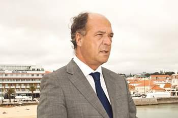 """Carlos Carreiras: """"Há coligações ocultas entre os partidos da esquerda"""""""