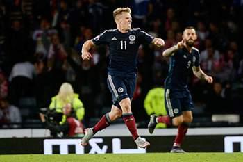 Internacional escocês, Matt Ritchie, vai jogar no Newcastle.