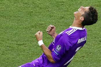 Real Madrid's Cristiano Ronaldo celebrates after the UEFA Champions League final between Juventus FC and Real Madrid at the National Stadium of Wales in Cardiff, Britain, 03 June 2017. Real Madrid won 4-1.