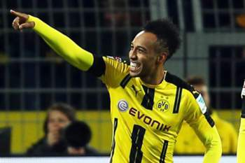 Dortmund's Pierre-Emerick Aubameyang (L) celebrates with his teammate Adrian Ramos (R) after scoring the 1-0 lead during the German Bundesliga soccer match between Borussia Dortmund and Bayern Munich in Dortmund, Germany, 19 November 2016.