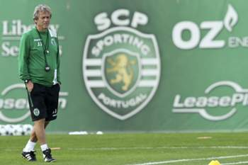 Sporting training session • epa05588658 Sporting\'s head coach Jorge Jesus leads a training session in Alcochete, Portugal, 17 October 2016. Sporting face Borussia Dortmund in an UEFA Champions League Group F soccer match on 18 October. EPA/ANTONIO COTRIM
