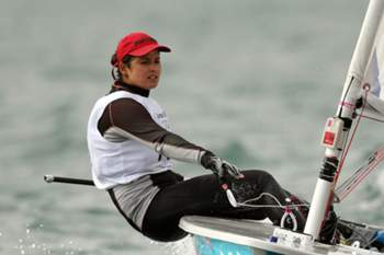 epa03337948 Sara Carmo of Portugal competes in the Women's Laser Radial class race during the London 2012 Olympic Games Sailing Competition in Weymouth, Britain, 03 August 2012. Weymouth is hosting the sailing competition for the 2012 Olympic Games from 27 July to 12 August 2012. EPA/OLIVIER HOSLET