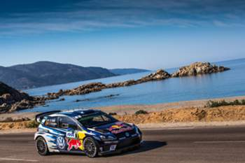 epa05563671 Sebastien Ogier of France driving his Volkswagen Polo R WRC during Day 1 Rally Tour de Corse, FIA World Rally Championship 2016, in Bastia, Corsica, 30 September 2016. EPA/NIKOS MKITSOURAS