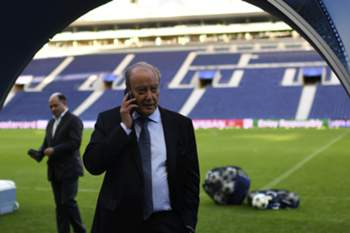 Jorge Nuno Pinto da Costa, no relvado do Estádio do Dragão