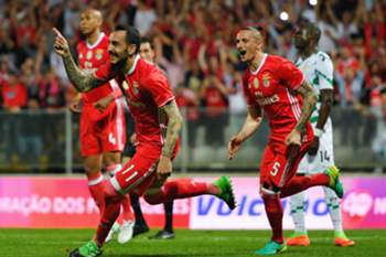 Benfica Kostas Mitroglou (C) celebrates after scores a goal against Moreirense during their Portuguese First League soccer match, held at stadium Comendador Joaquim de Almeida Freitas, Moreira de Conegos, 09 April 2017. OCTAVIO PASSOS/LUSA