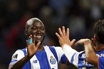 Danilo Pereira celebra um golo do FC Porto • Danilo Pereira celebra um golo do FC Porto. • EPA/José Coelho