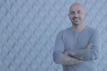 Serginho, o tatuador que marca as estrelas de futebol