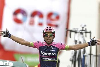 epa04912959 Portuguese cyclist Nelson Oliveira of Lampre Merida team celebrates winning the thirteenth stage of the 2015 Vuelta a Espana cycling race, over 173 km between Calatayud and Tarazona, northern Spain, 04 September 2015. EPA/JAVIER LIZON