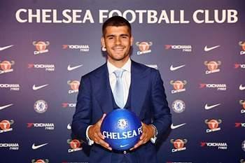 Oficial: Chelsea confirmam que Morata custou 80 milhões de euros