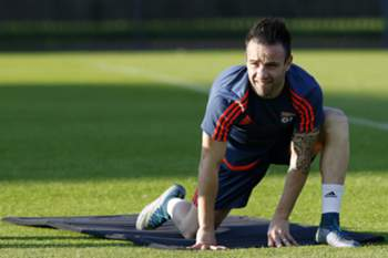 epa04954508 Mathieu Valbuena of Olympique Lyon during a training session at Gerland stadium, Lyon, France, 28 September 2015. Olympique Lyon will face Valencia CF in the UEFA Champions League soccer match group H on 29 September 2015. EPA/GUILLAUME HORCAJUELO