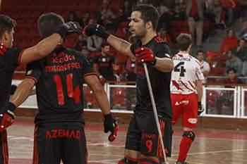 Benfica vence e assume liderança na Liga Europeia