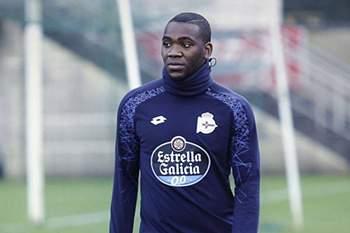 Ola John fora das opções do novo treinador do Deportivo da Corunha.