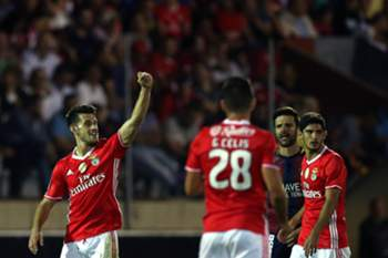 Benfica's Pizzi (L) celebrates after scoring a goal against Desportivo de Chaves during their Portuguese First League soccer match, held at Municipal Engº Manuel Branco Teixeira stadium, Chaves, Portugal, 24th September 2016. JOSE COELHO/LUSA