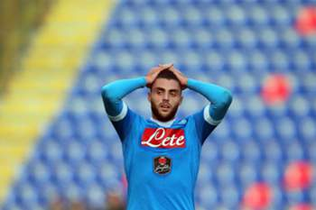 epa05056792 Napoli's David Lopez shows his dejection after the Italian Serie A soccer match between Bologna FC and SSC Napoli at Renato Dall'Ara stadium in Bologna, Italy, 06 December 2015. Bologna won 3-2.