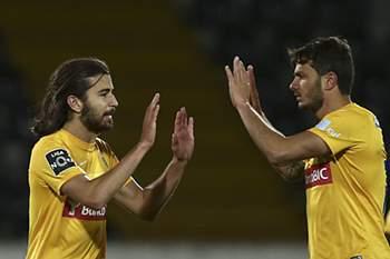 Mattheus Oliveira celebra um golo ao serviço do Estoril