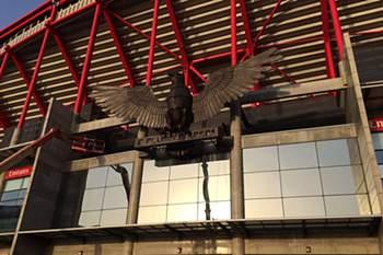 Estádio da Luz recebe uma águia renovada