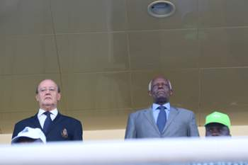 Presidente do FC Porto ao lado do presidente de Angola