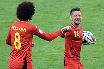 Os dois jogadores apontaram os golos da vitória sobre a Argélia