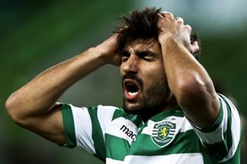 Sporting Lisbon's player Ricardo Esgaio reacts during their Portuguese Cup League soccer match against Vitoria de Setubal held at Alvalade Stadium in Lisbon, Portugal, 28 January 2015.