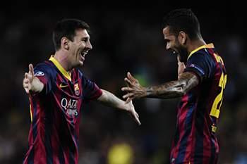 Messi faz hat-trick frente ao Sevilha