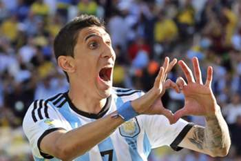epa04294251 Argentina's Angel di Maria celebrates his 1-0 winner goal during the FIFA World Cup 2014 round of 16 match between Argentina and Switzerland at the Arena Corinthians in Sao Paulo, Brazil, 01 July 2014. (RESTRICTIONS APPLY: Editorial Use Only, not used in association with any commercial entity - Images must not be used in any form of alert service or push service of any kind including via mobile alert services, downloads to mobile devices or MMS messaging - Images must appear as still images and must not emulate match action video footage - No alteration is made to, and no text or image is superimposed over, any published image which: (a) intentionally obscures or removes a sponsor identification image; or (b) adds or overlays the commercial identification of any third party which is not officially associated with the FIFA World Cup) EPA/SEBASTIAO MOREIRA EDITORIAL USE ONLY