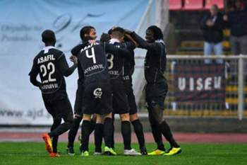 O Académico de Viseu conta ainda apresentar mais jogadores para 2014/15