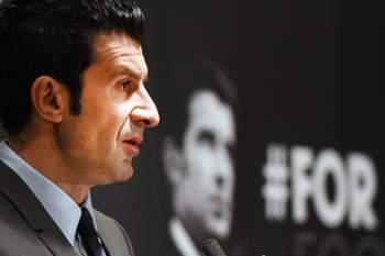 epa04626995 Former Real Madrid and Portugal soccer star Luis Figo unveils his FIFA election manifesto during a press conference at Wembley Stadium in London, Britain, 19 February 2015. Figo said on 19 February 2015, he will redirect half of Fifa's revenues into grass-roots soccer if he's elected as president of world soccer's governing body, FIFA. The election for FIFA president takes place on May 29. EPA/ANDY RAIN