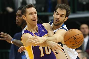 Nash chegou aos Lakers em 2012, como agente livre, depois de deixar os Phoenix Suns.