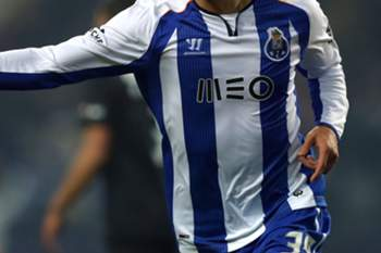 FC Porto's Gonçalo Paciência celebrates a goal against Academica during the Cup League soccer match held at Dragao stadium in Porto, Portugal, 28 January 2015. ESTELA SILVA/LUSA