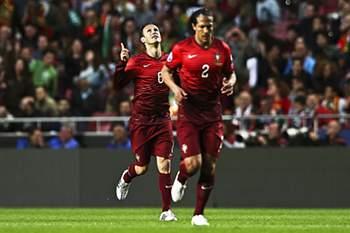 Defesa marcou o golo de Portugal e depois saiu lesionado.