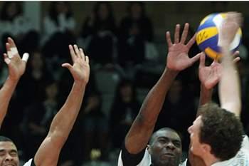"Voleibol: VitÛria de Guimar""es vs Espinho"