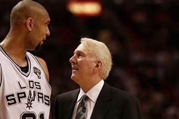 Pela nona vez na carreira, um novo recorde, o treinador dos Spurs, Gregg Popovich, venceu uma eliminatória dos 'play-offs' por 4-0.