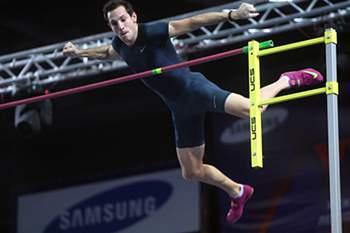 Atleta francês do salto com vara