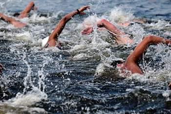 Natação em águas abertas.